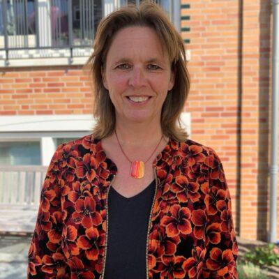 Annemiek Hutten   secretaris, hoofdredacteur en teamlid